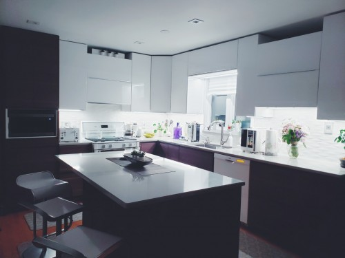 Kitchen-White-and-Black-cabinets.jpg