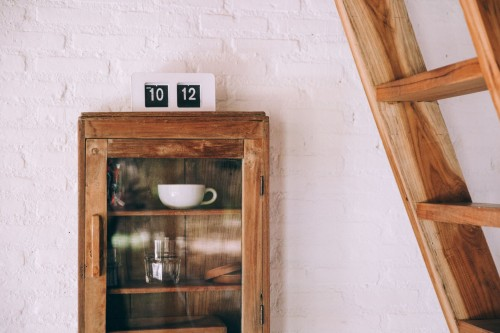 A-mixture-of-textures-in-distressed-wood-and-painted-brick-create-a-rustic-warmth-in-home-decor..jpg