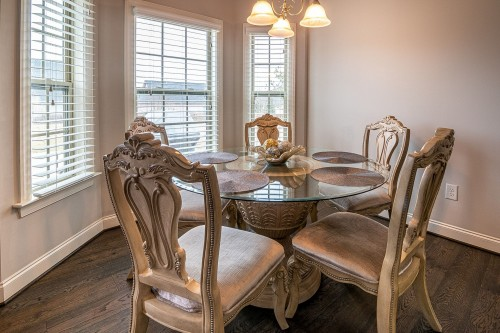 golden-Dining-Table-With-Chairs.jpg